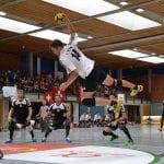 Radevormwald hat schon internationale Tchoukball-Erfahrung. Das Sportzentrum in der Hermannstraße war 2014 Austragungsort der Europameisterschaft. Das Foto zeigt eine Szene aus dem Männer-Halbfinale zwischen Deutschland und Österreich. (Foto: Elena Zambello)