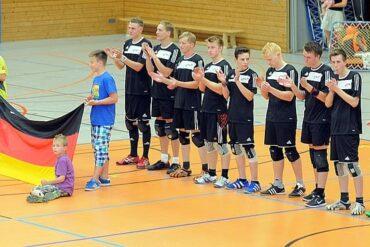 Die Deutsche Herren-Nationalmannschaft vor dem Länderspiel gegen Tschechien in Erfurt. Foto: Susann Fromm