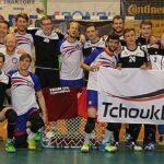 Nach dem Halbfinale von Deutschland mit Großbritannien posieren beide Mannschaften für die Fotografen. (Foto: Thomas Langescheid)