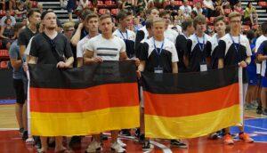 Bei der Eröffnungszeremonie präsentierte sich die DTBV-Delegation hinter den deutschen Farben. (Foto: Sylvia Zoch)