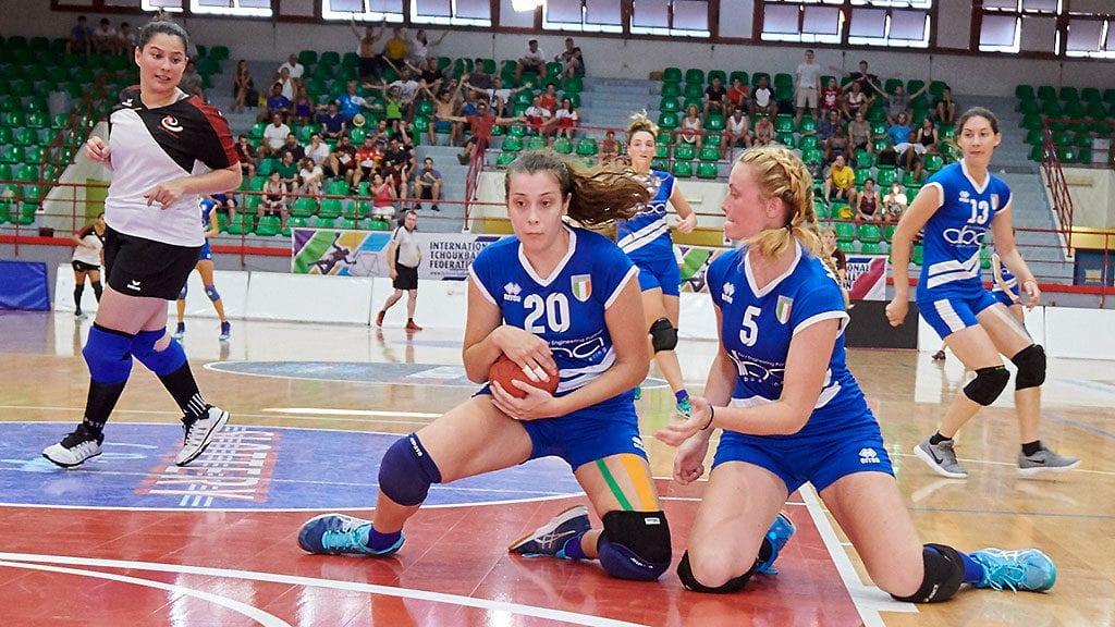 Bei der Europameisterschaft im eigenen Land gewann Chiara Checchi (Mitte) mit der italienischen Auswahl die Goldmedaille. (Foto: Paolo Volonté)
