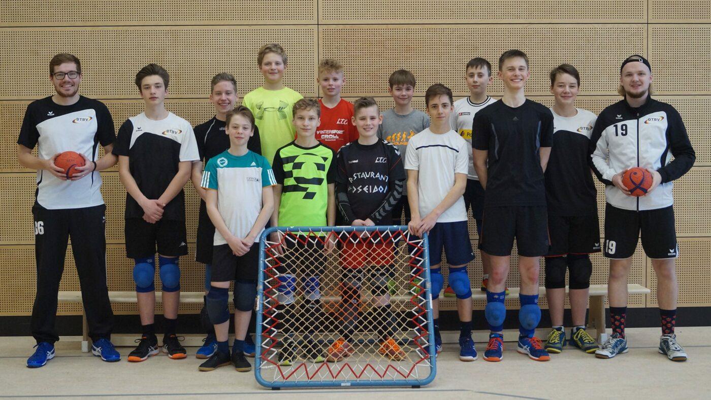 Die jungen der M15 mit dem neuen Tarinerteam Jonas Winkhaus (links) und Alexander Zoch (rechts). Jan-Frederik Marschner stieß später hinzu. (Foto: Sylvia Zoch)