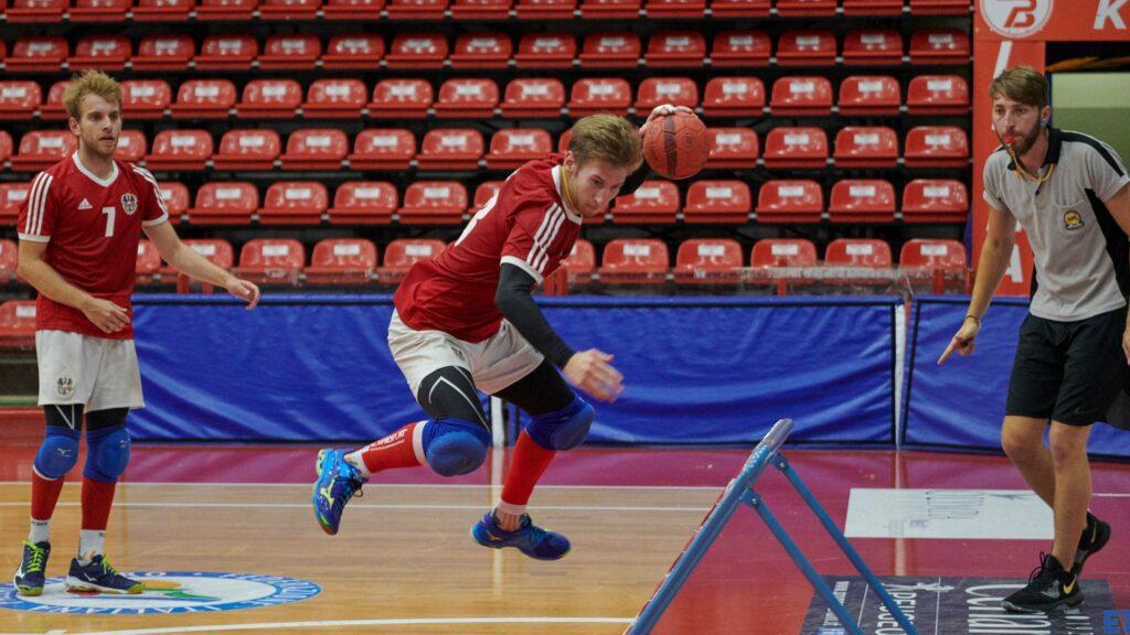 Andi Türk in typischer Haltung vor dem Frame. Seine platzierten Würfe sind für jede Verteidigung eine Herausforderung. (Foto: Paolo Volonté)